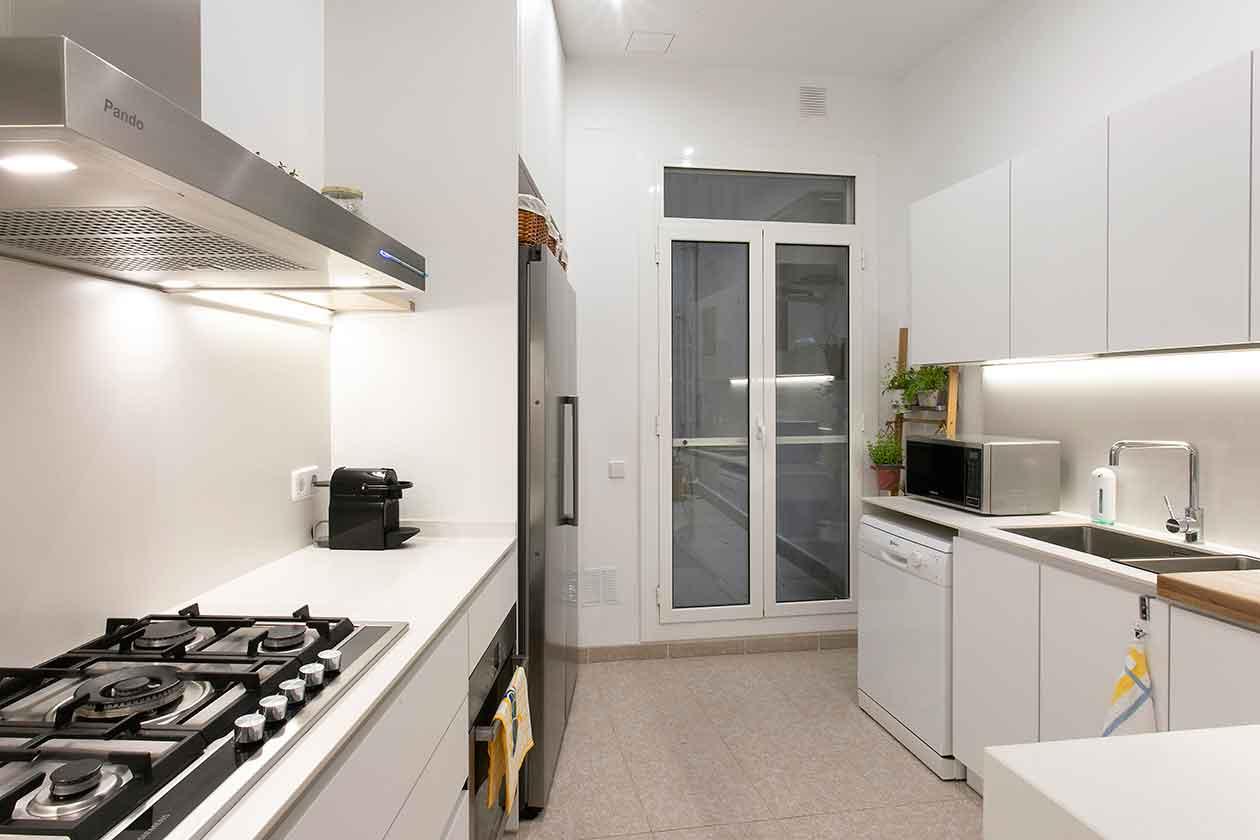 Vista de la cocina desde la puerta