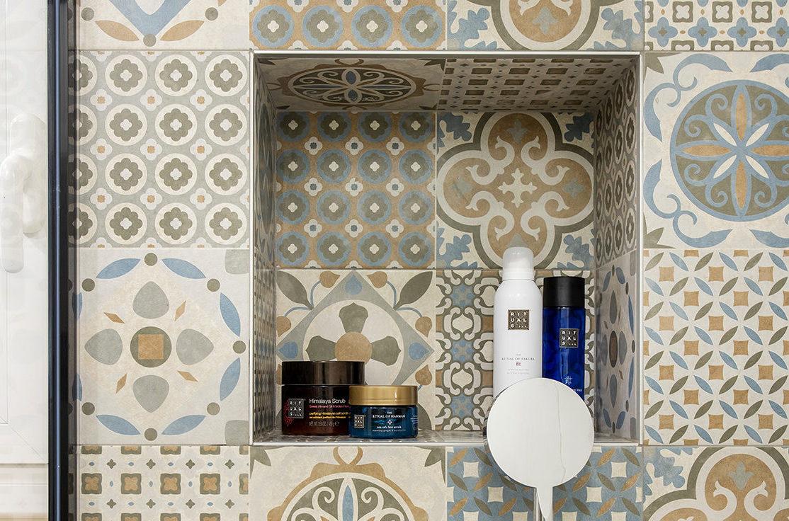 Detalle del mosaico de la ducha