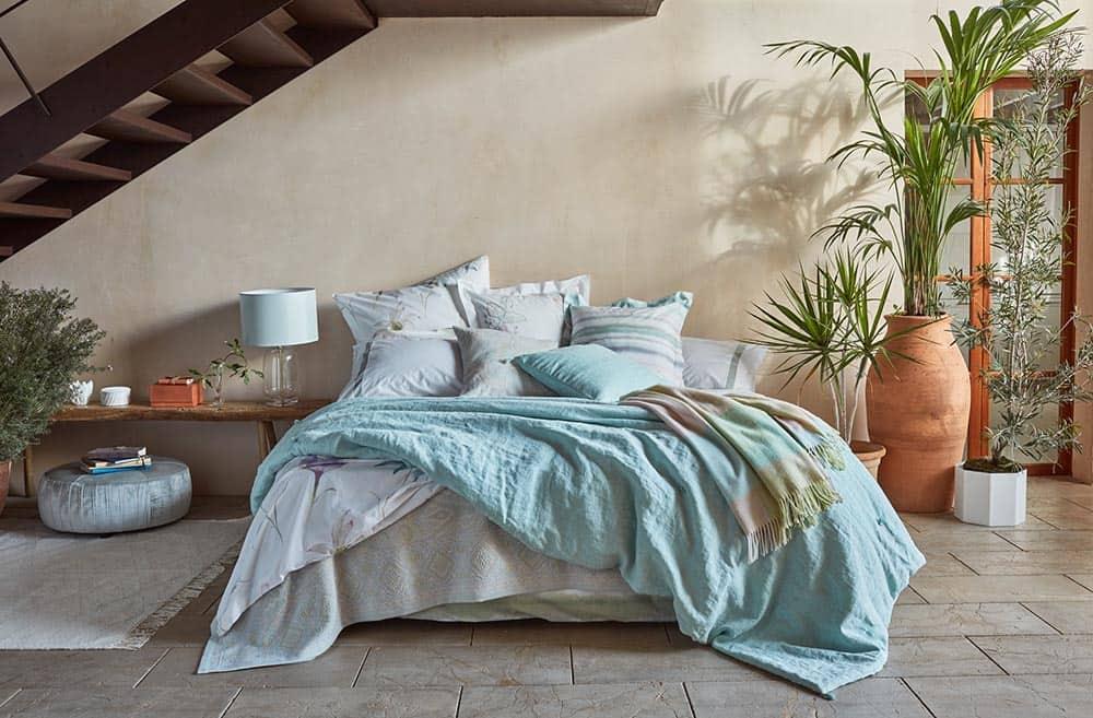 cama con textiles