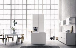 cocina minimalista con ventanal