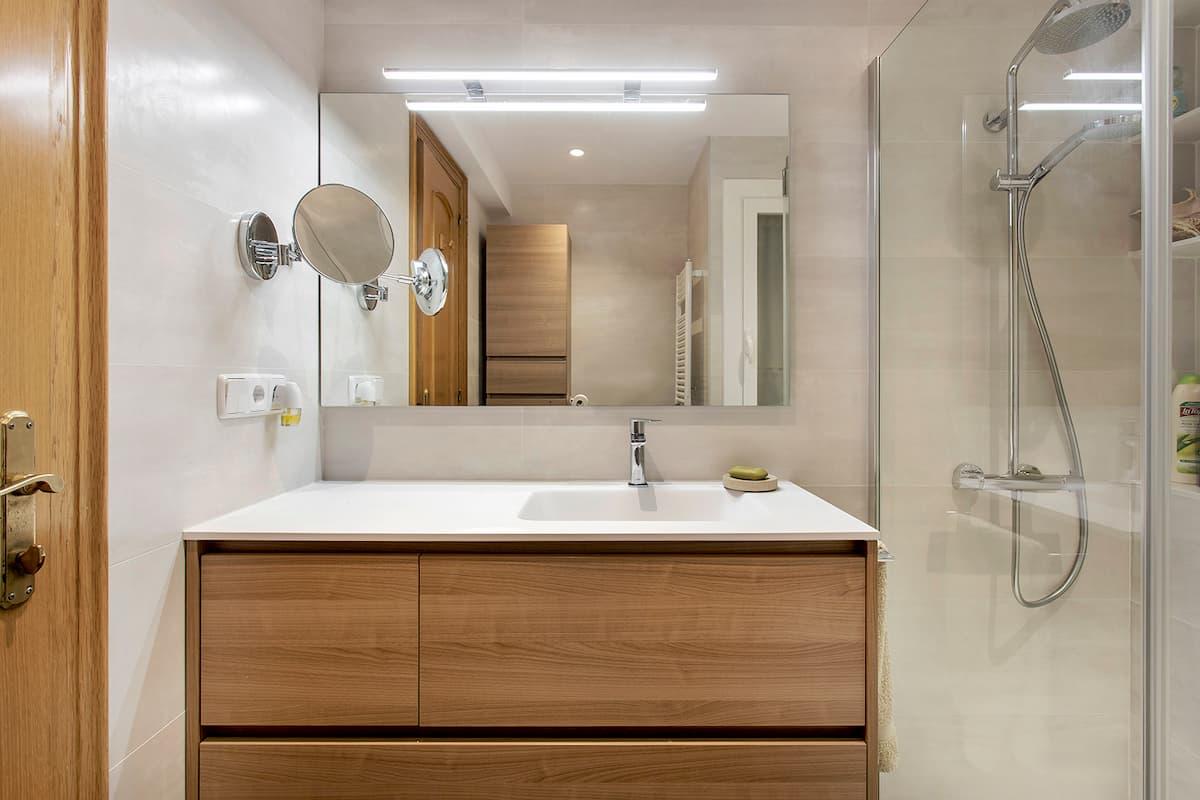 Encimera de baño con espejo