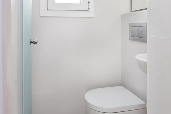 baño muy pequeño