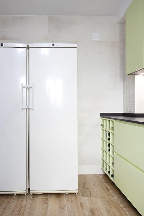 Nevera de dos puertas blanca