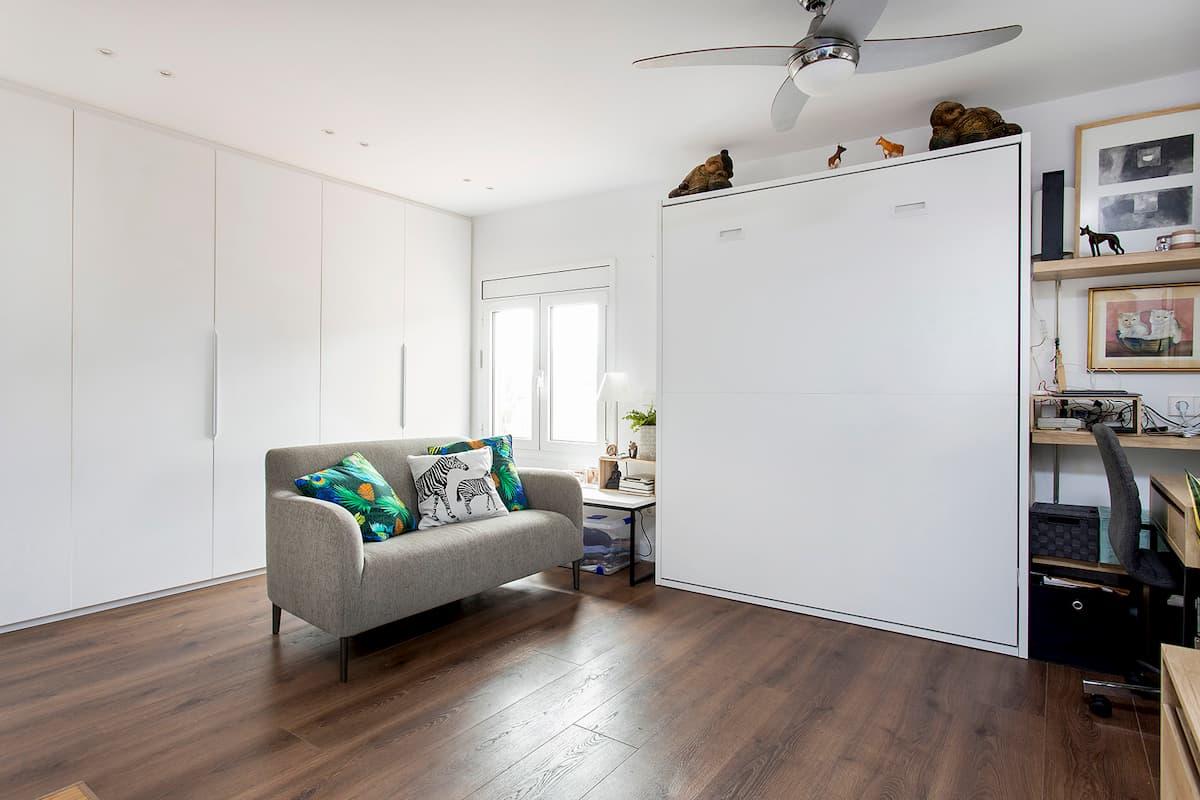 sofá y mueble plegable