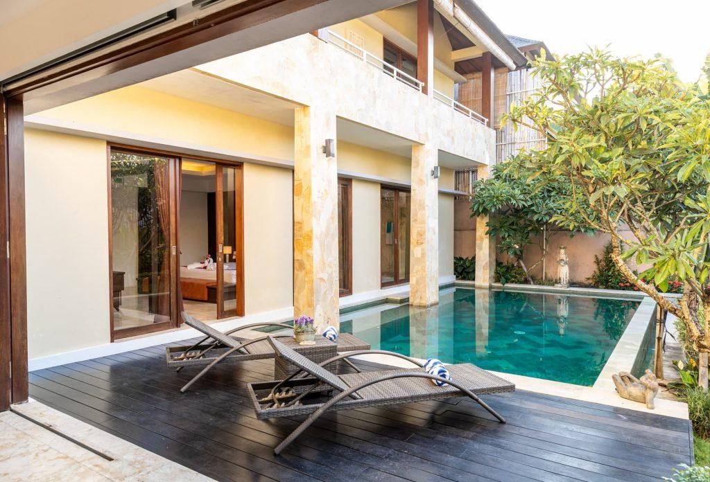 Decoración exteriores piscina