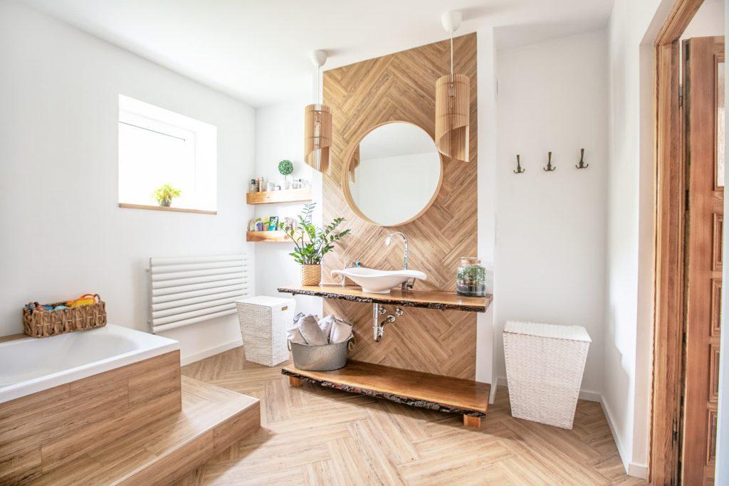 Pared de madera baño