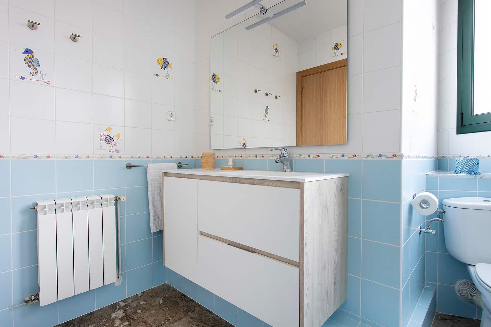 mueble lavamanos blanco