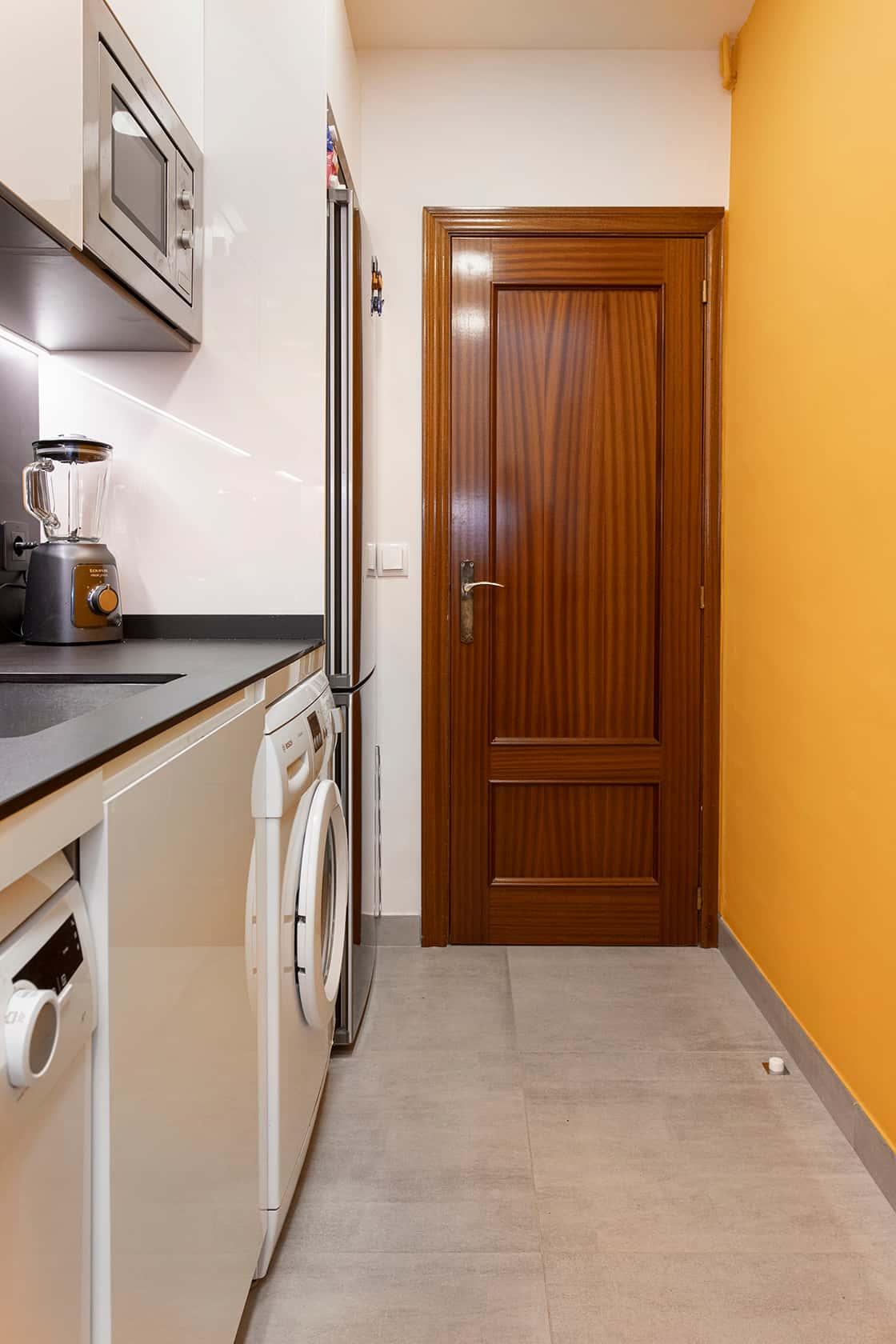 puerta de cocina
