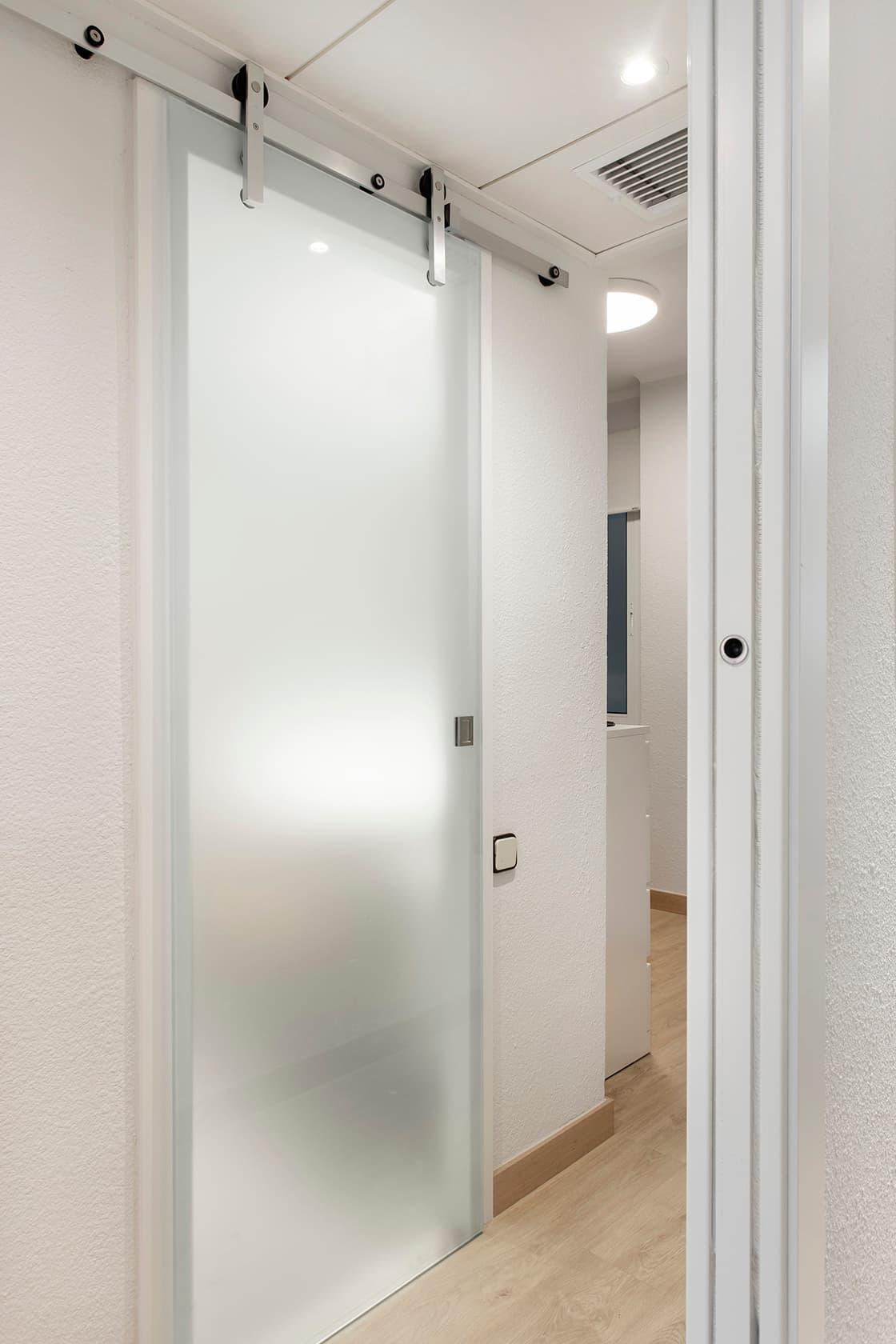puerta translucida