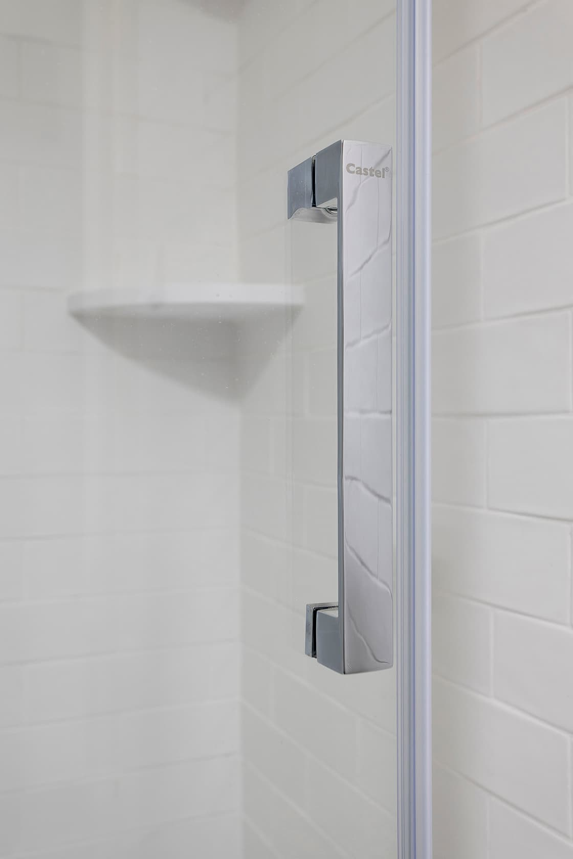 agarrador dentro de ducha