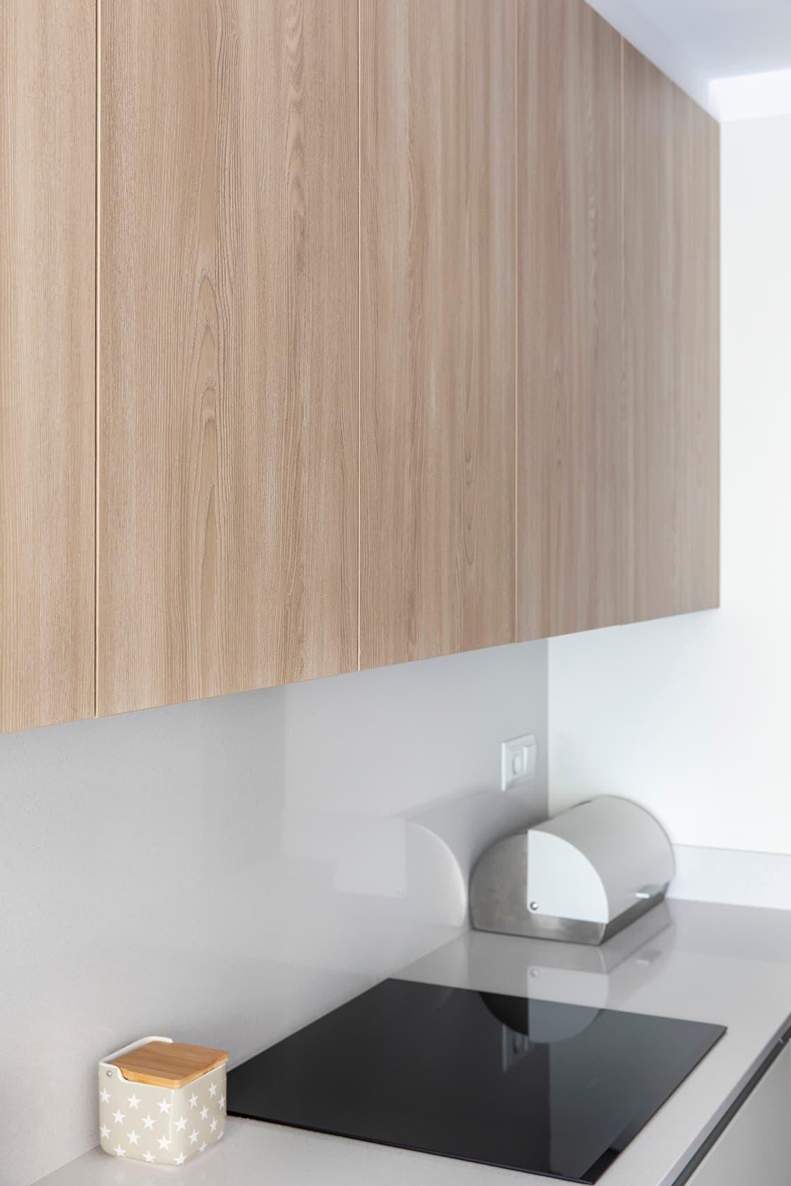 armario en tono madera