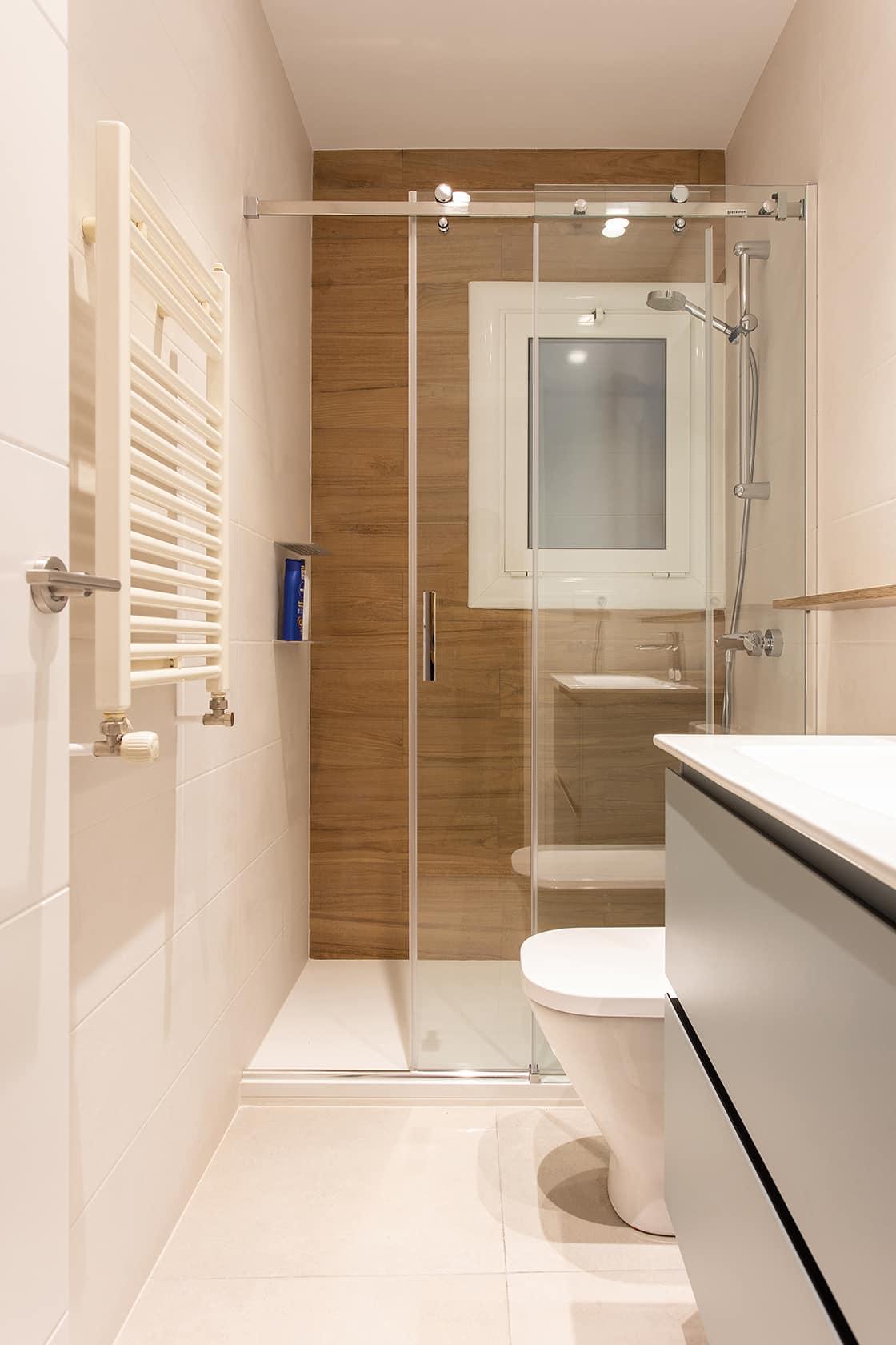 baño nuevo alargado