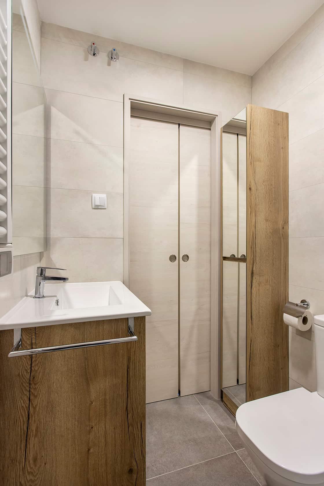baño reformado en madera