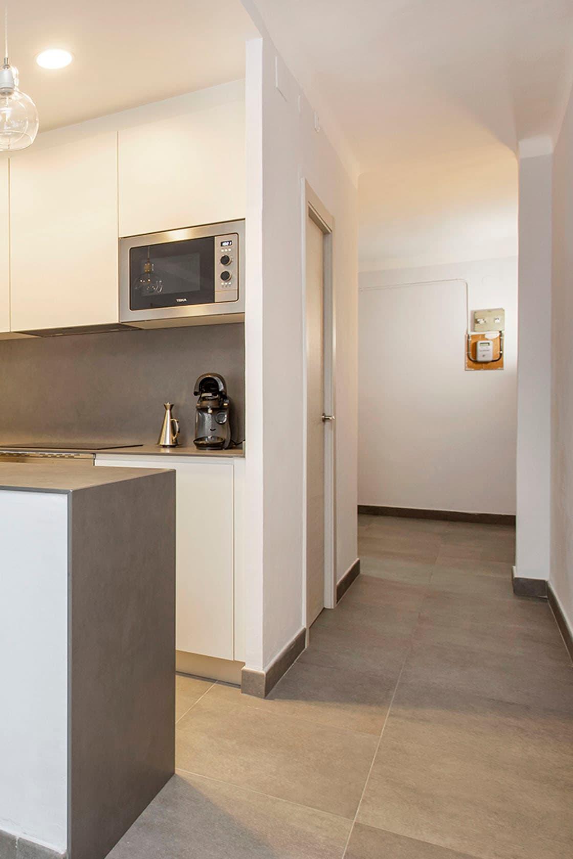 cocina y pasillo